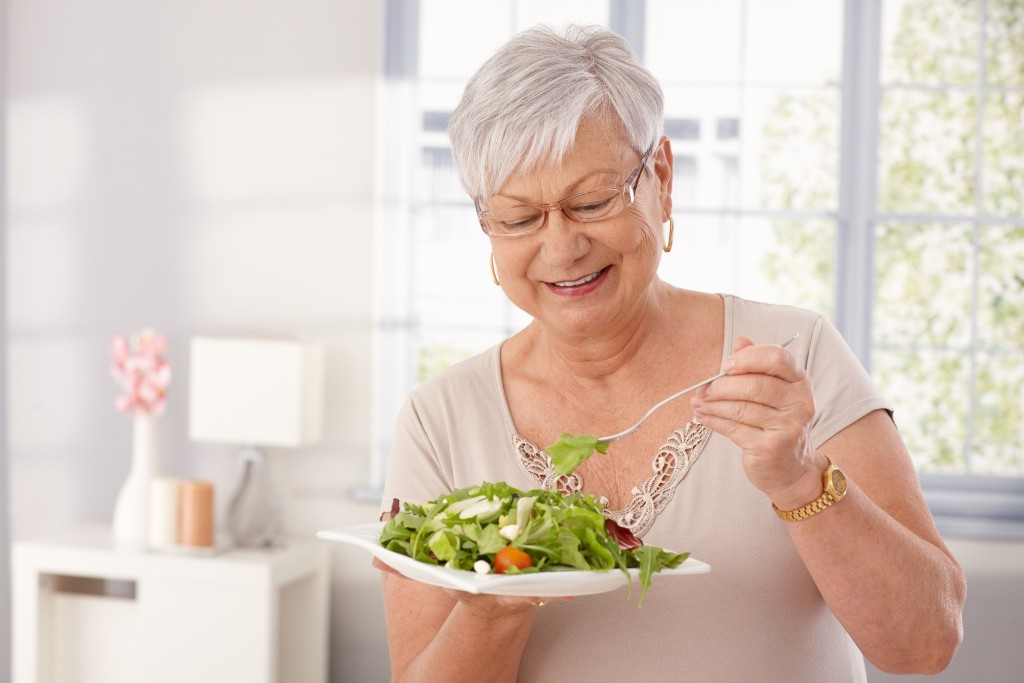 7 Tips For Making Sure Mom Eats Right
